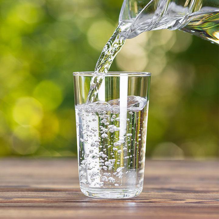 大定番の「水」