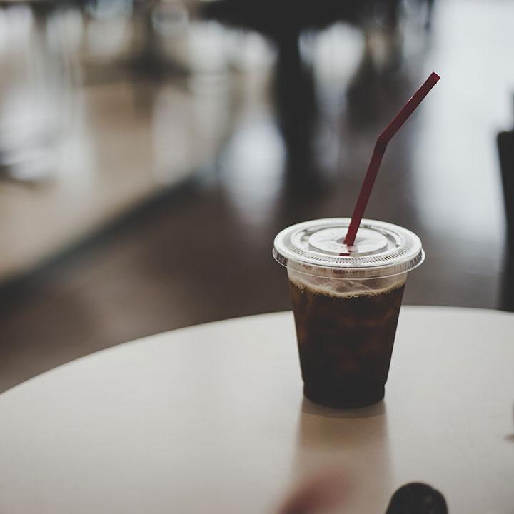 コンビニコーヒーをタンブラーで?